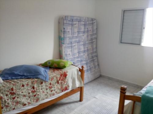 ref.: 585 - casa em mongaguá, no bairro agenor de campos - 2 dormitórios