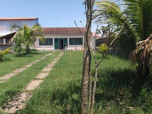 ref.: 586 - casa em itanhaem, no bairro jd. lindomar - 2 dormitórios