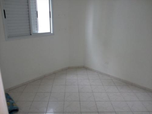 ref.: 589 - apartamento em mongaguá, no bairro vila são paulo - 2 dormitórios