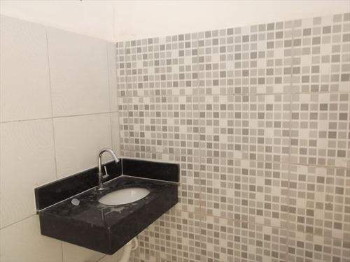 ref.: 601 - casa em itanhaem, no bairro jd regina - 2 dormitórios