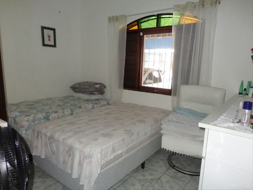 ref.: 639 - casa em praia grande, no bairro caicara - 2 dormitórios