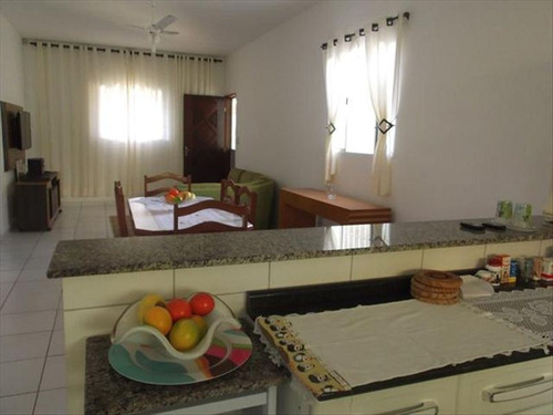 ref.: 647 - casa em itanhaem, no bairro bal paranapuan - 3 dormitórios