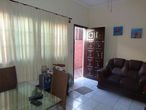ref.: 670 - casa em praia grande, no bairro aviacao - 2 dormitórios