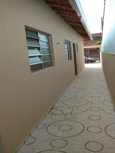 ref.: 68 - casa em mongaguá, no bairro itaoca - 2 dormitórios