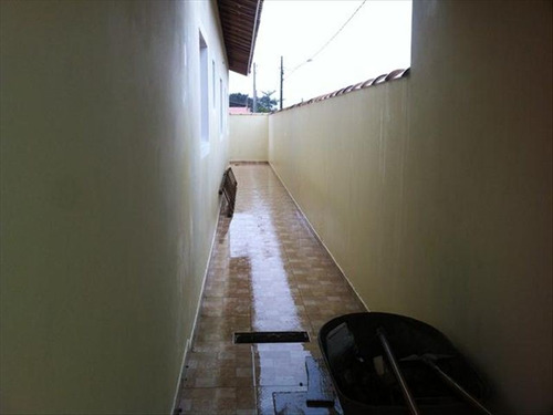 ref.: 680 - casa em itanhaem, no bairro jardim regina - 2 dormitórios