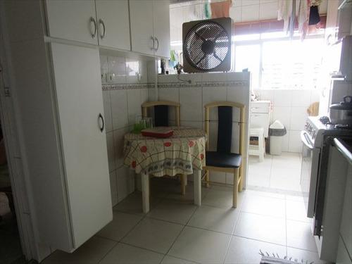 ref.: 6812 - apartamento em santos, no bairro encruzilhada - 2 dormitórios