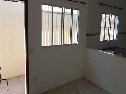 ref.: 688 - casa em mongaguá, no bairro itaoca prontinha p morar na praia - 2 dormitórios