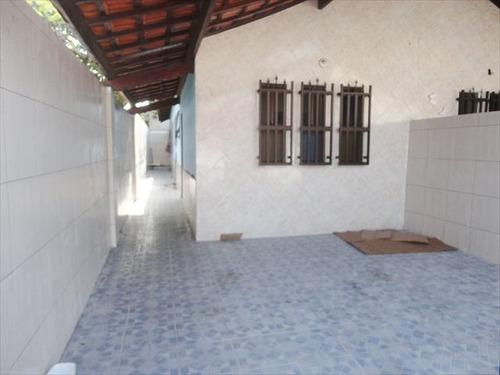ref.: 69200 - casa em praia grande, no bairro tude bastos (sitio do campo) - 2 dormitórios