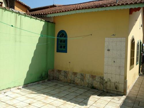 ref.: 75 - casa em mongagua, no bairro plataforma - 2 dormitórios