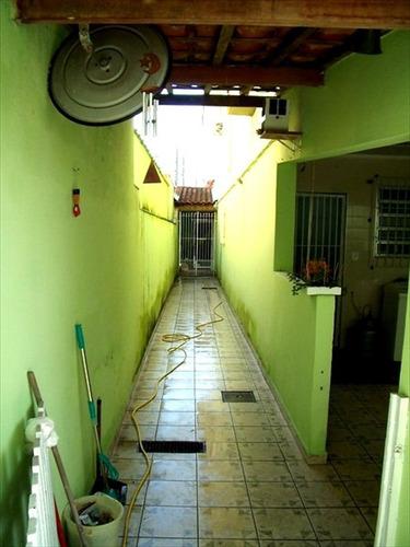 ref.: 844 - casa em praia grande, no bairro canto do forte - 2 dormitórios