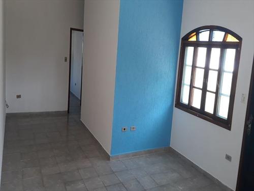 ref.: 881 - casa em mongaguá, no bairro itaóca - 2 dormitórios