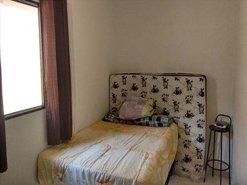 ref.:328601- ampla casa 3 dorms/suíte ótimo local - 330 mil!