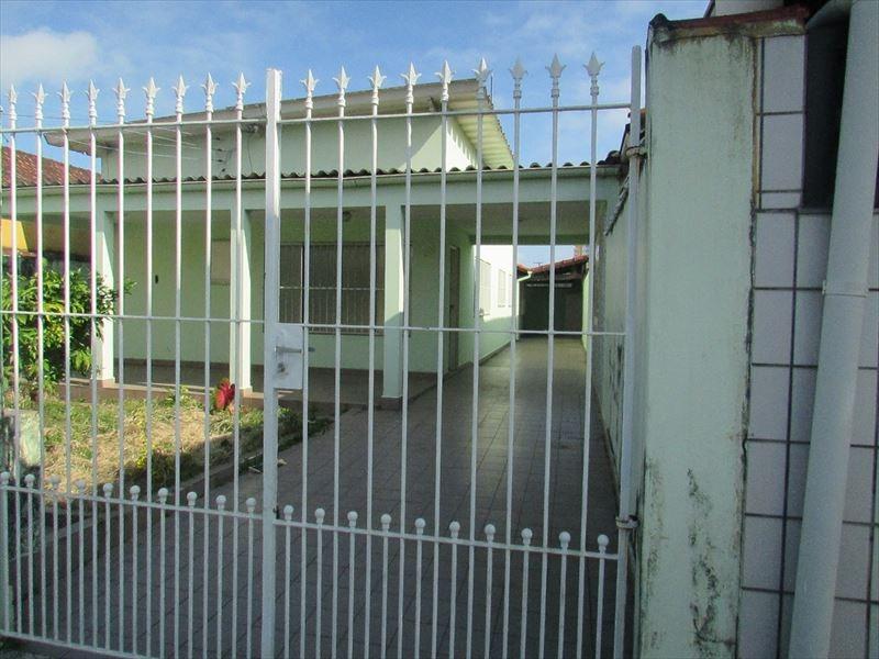 ref.:404400 - espaçosa casa 2 dorms+churrasqueira - 320 mil!