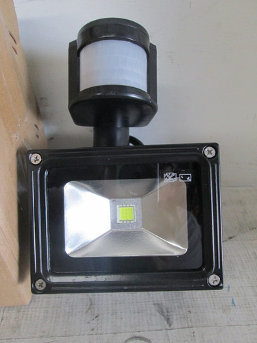 reflector led con sensor de movimiento de 10 watts vv4