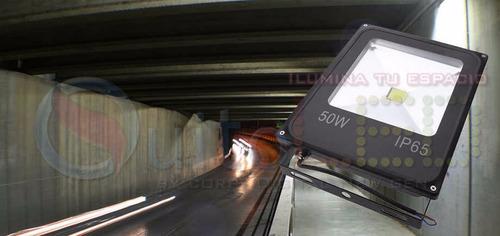 reflector led exterior 50w - ip65 - 110v  - 220v - blanco