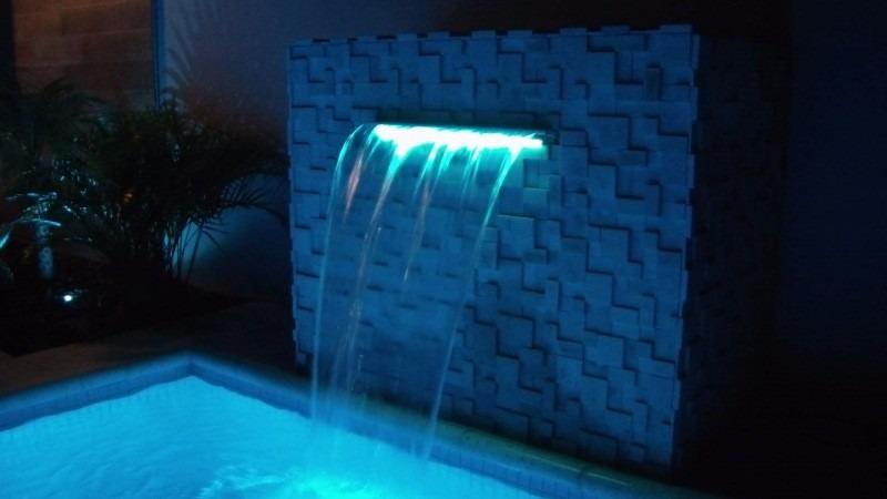 Refletor de cascata ilumina o piscina 35 cm led rgb tholz for Luminarias para piscinas