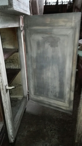 refrigerador antiguo de campo