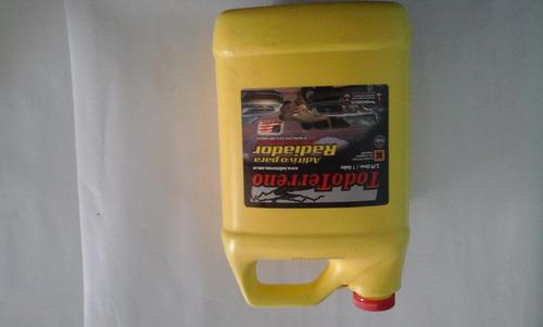 refrigerante de radiador marca todo terreno de 3,75 lts