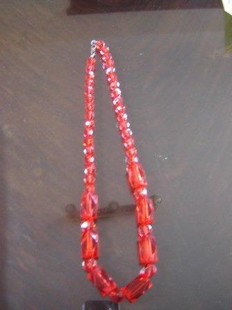 regalo collar fantasia color rojo, ultima moda!!!