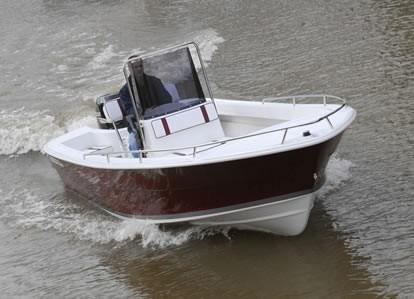 regnicoli marea con suzuky 140 hp  4 tiempos  todo okm