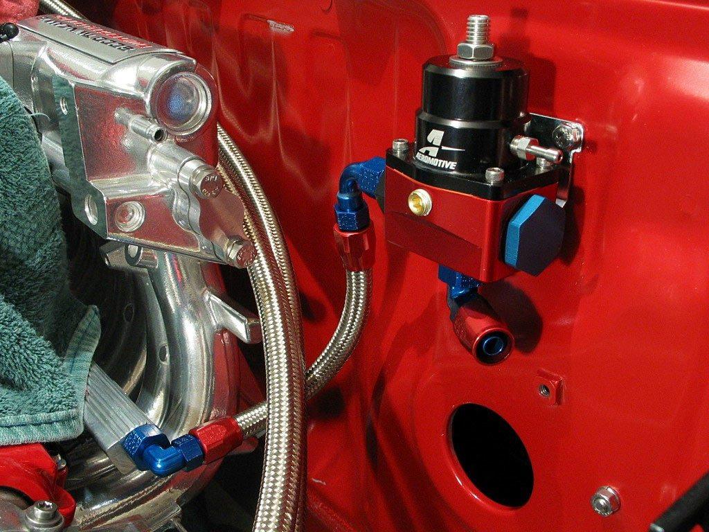 Regulador de presion gasolina aeromotive alta presion - Regulador de presion ...