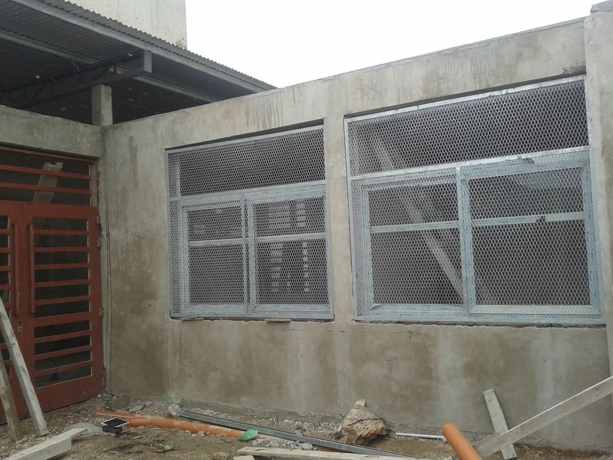 Rejas para terrazas rejas en malla para puertas ventanas for Duchas modernas sodimac