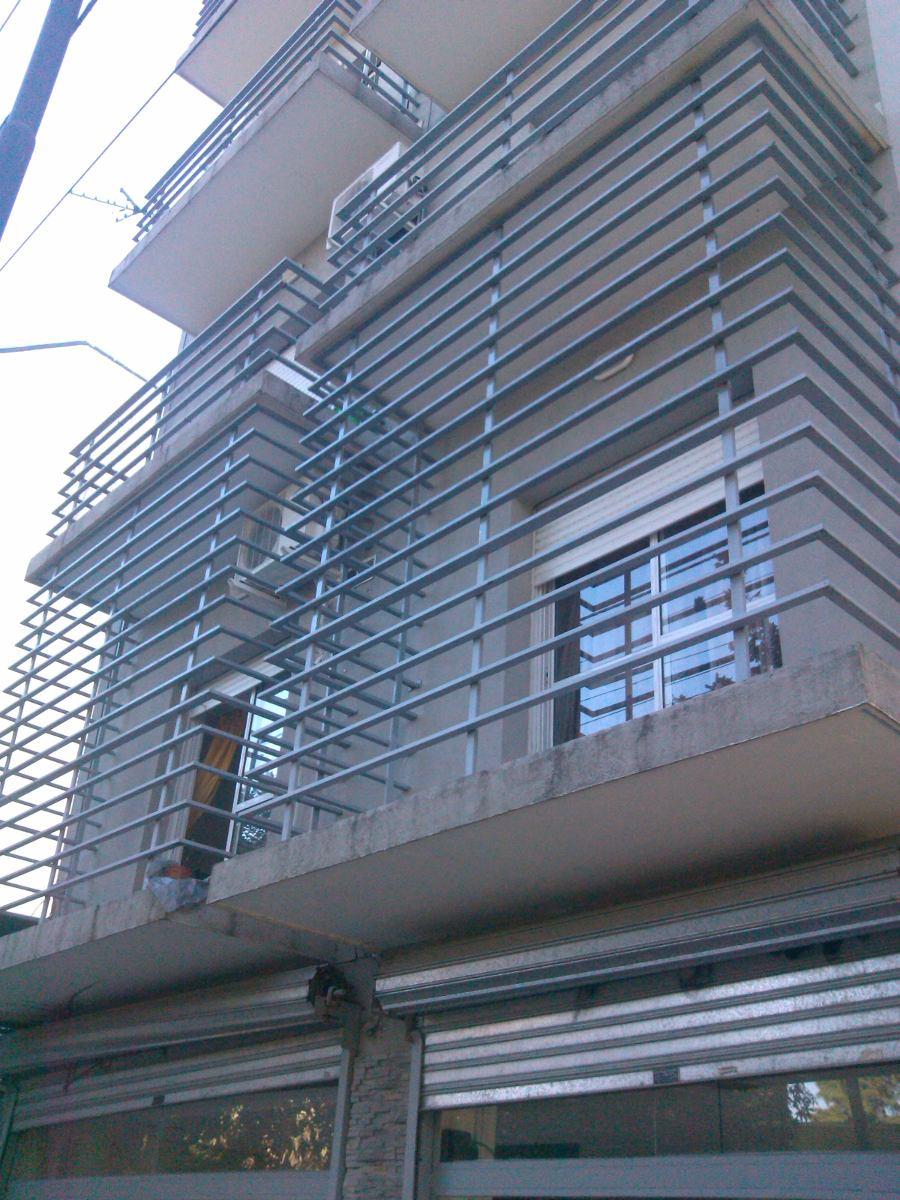 Proteccion balcones instalacin de mallas de seguridad - Rejas para balcones ...