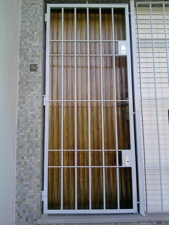 Rejas y puertas rejas prontas para colocar nuevas 1 - Puertas de reja ...