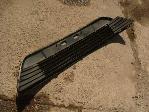 rejilla parach avensis 2013 c/detalles - lea descripción