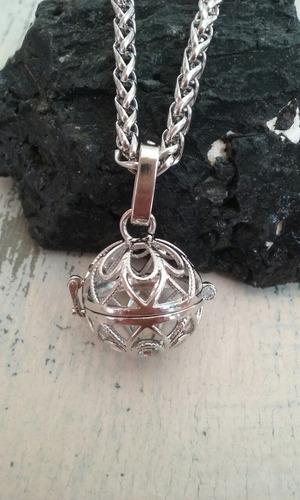 relicario con 7 piedras chakra y cadena acero quirúrgico