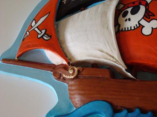 relieve de barco pirata para decoracion infantil