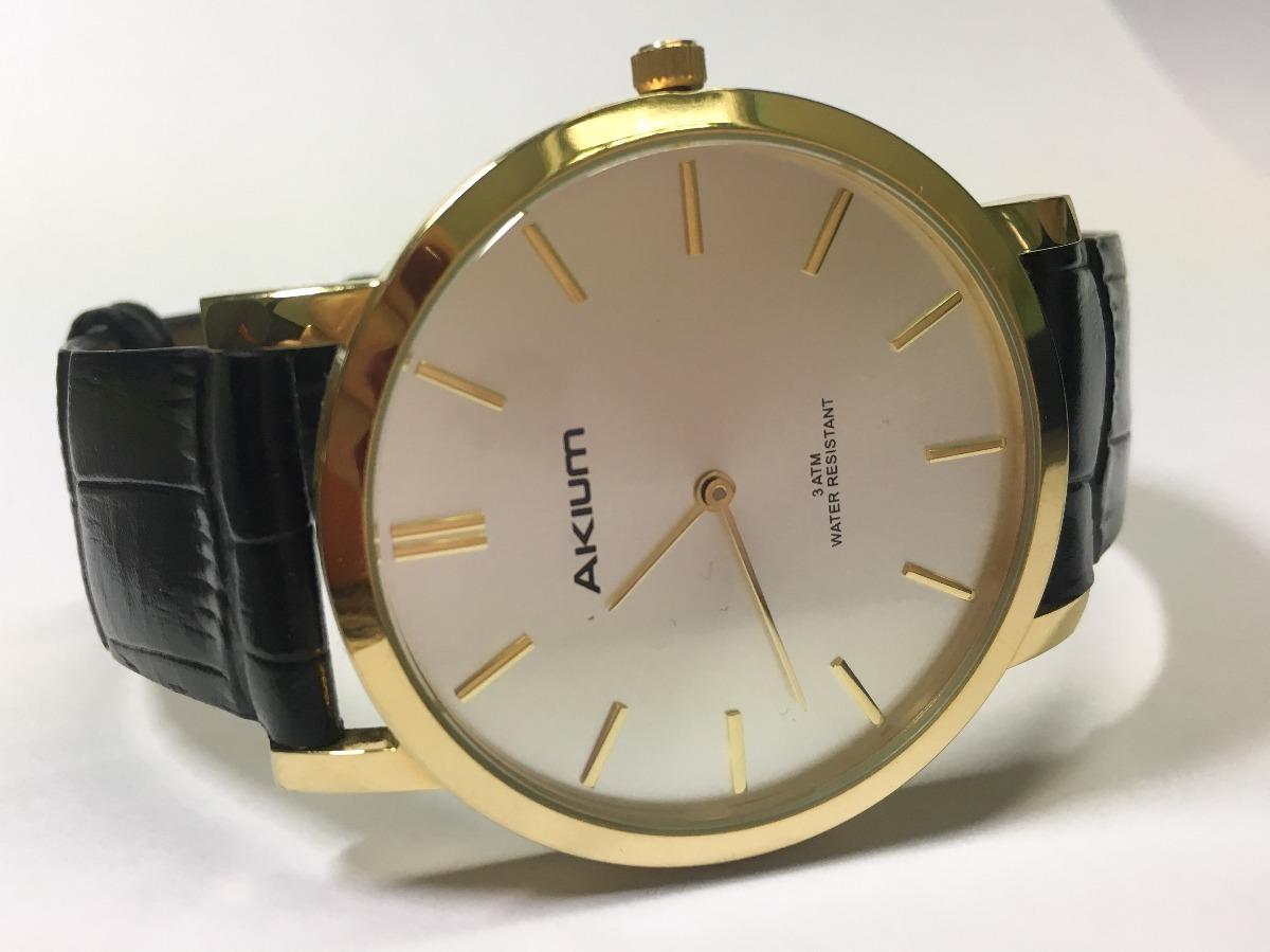 cec88eeadd7 relógio akium preto e dourado masculino usado. Carregando zoom.
