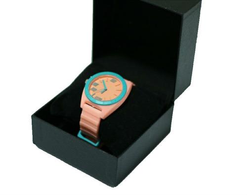 relógio analógico lançamento moderno de mulher borracha