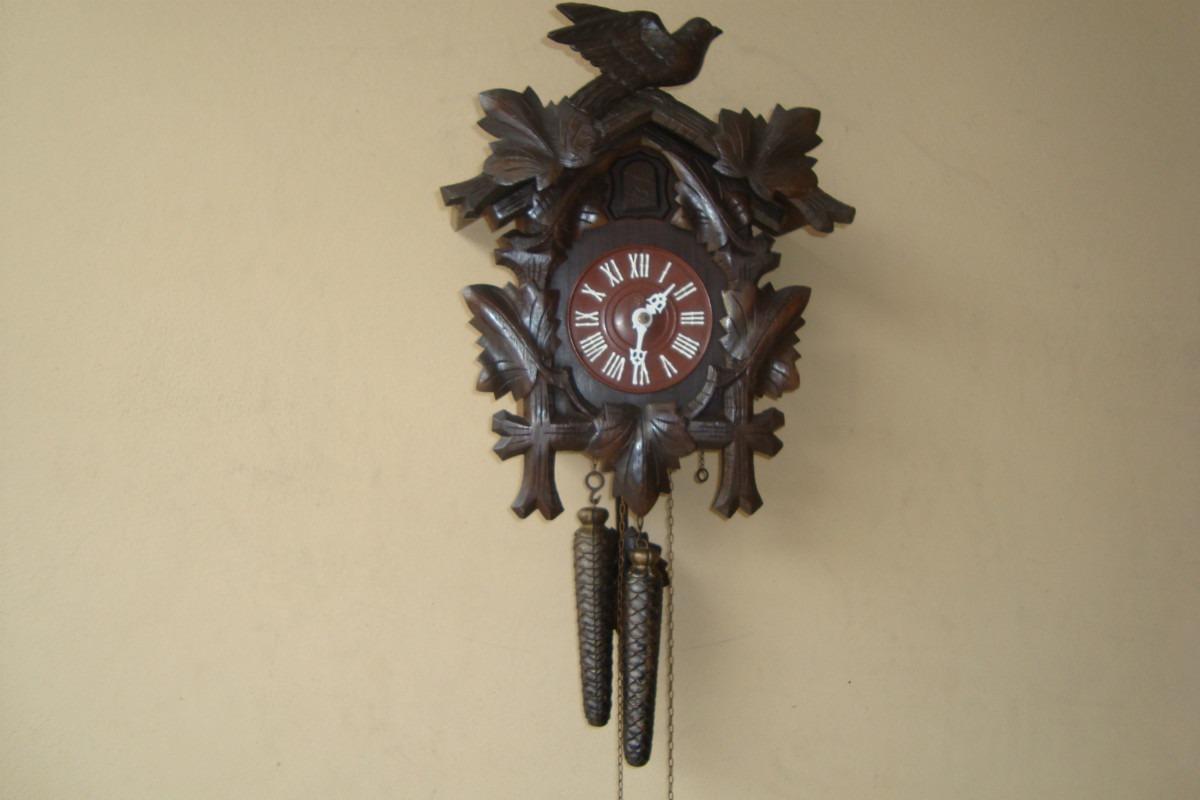 3c5983b78b7 relógio antigo cuco médio da marca h. Carregando zoom.