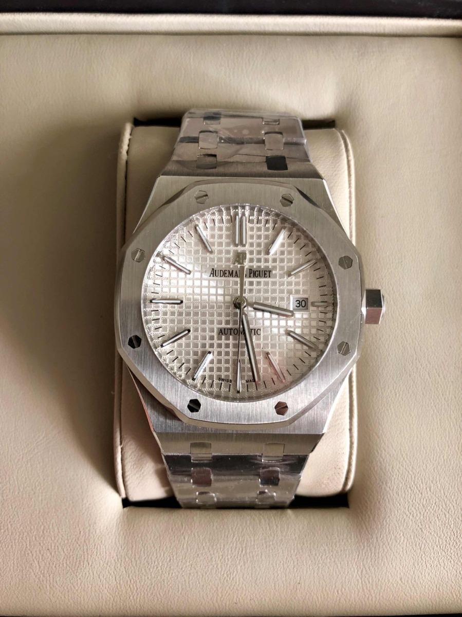 d7b14b6d839 Relógio Ap Royal Oak Fundo Branco - R  869