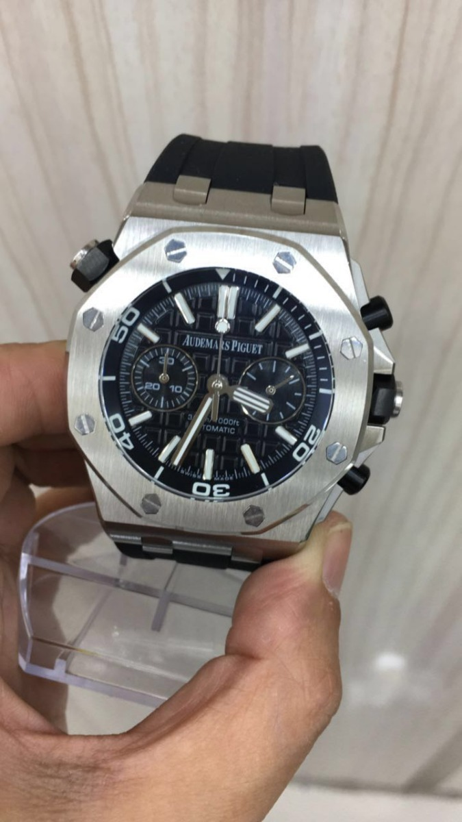 acc0ef035f0 relógio ap royal oak prata mostrador preto borracha. Carregando zoom.