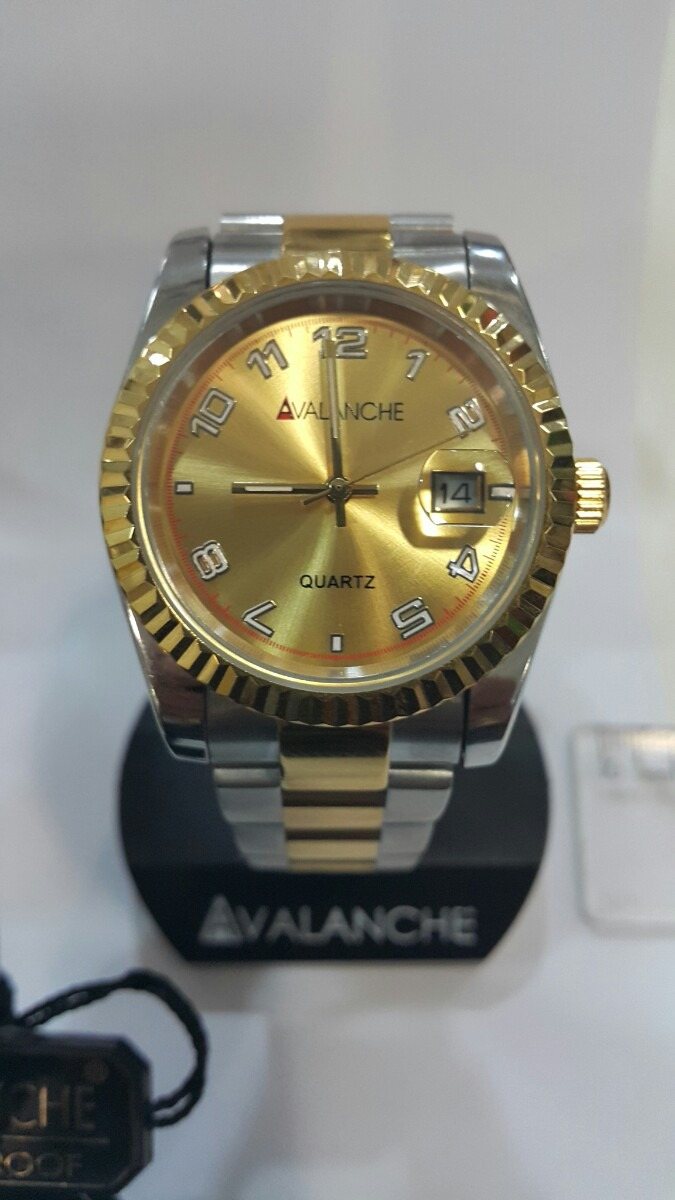 fa9fb31ab95 relógio avalanche em aço inox com plaque dourado quartz. Carregando zoom.