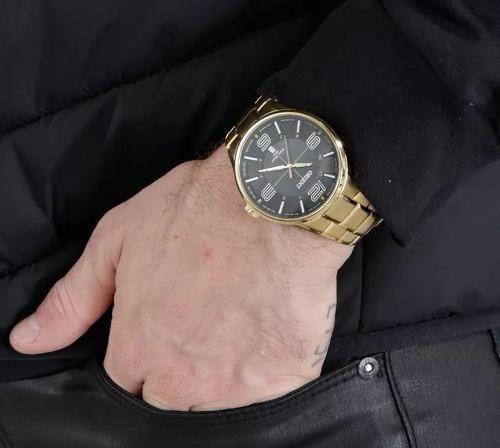 ce2a02ca4ff Relógio Azul Orient Masculino Dourado Pulseira Aço Mgss1136 - R  369 ...