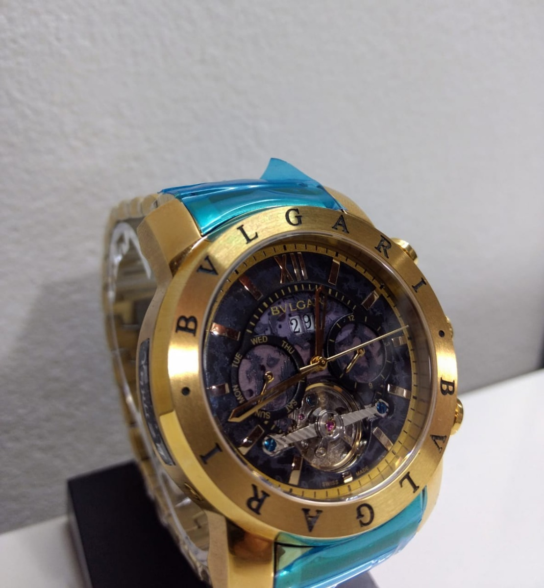 relógio bvlgari automático dourado fundo preto importado top. Carregando  zoom. 0e909ff045