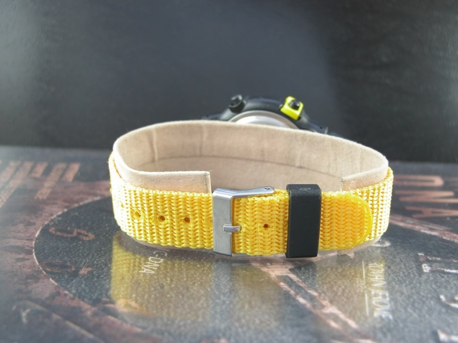 b6995263d4d relógio calypso amarelo pulseira nylon digital. Carregando zoom.