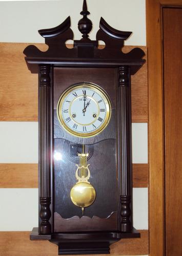 relógio carrilhão parede corda madeira cor ipê herweg 5398