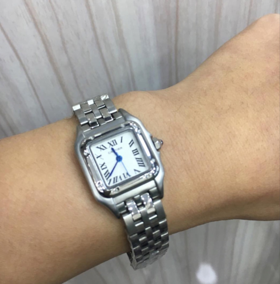 e49e15986a7 Relógio Cartier Tank Feminino Prata Frete Grátis - R  650