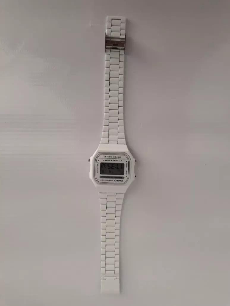 1fb4a0aad82 relógio casio retrô vintage branco. Carregando zoom.