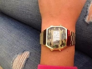 c0e98c8e943 Relógio Casio Vintage A168 Dourado-camuflado Original Na Cx. - R ...
