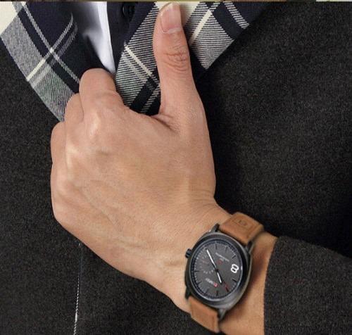 8964e1e1bce Relógio Casual Curren 8139 Quartz Em Couro Pronta Entrega - R  49