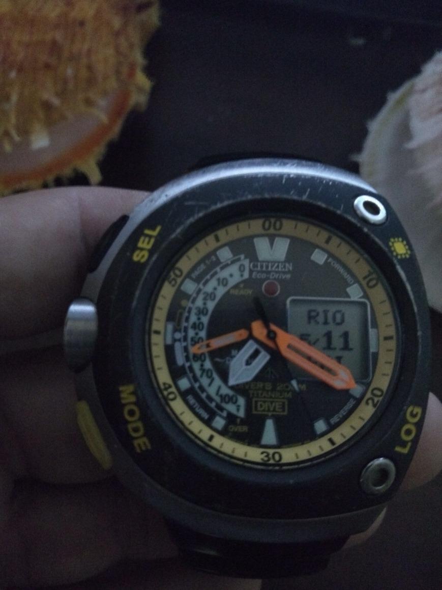 e531937d3d0 relógio citizen aqualand eco-drive titanium meia lua. Carregando zoom.