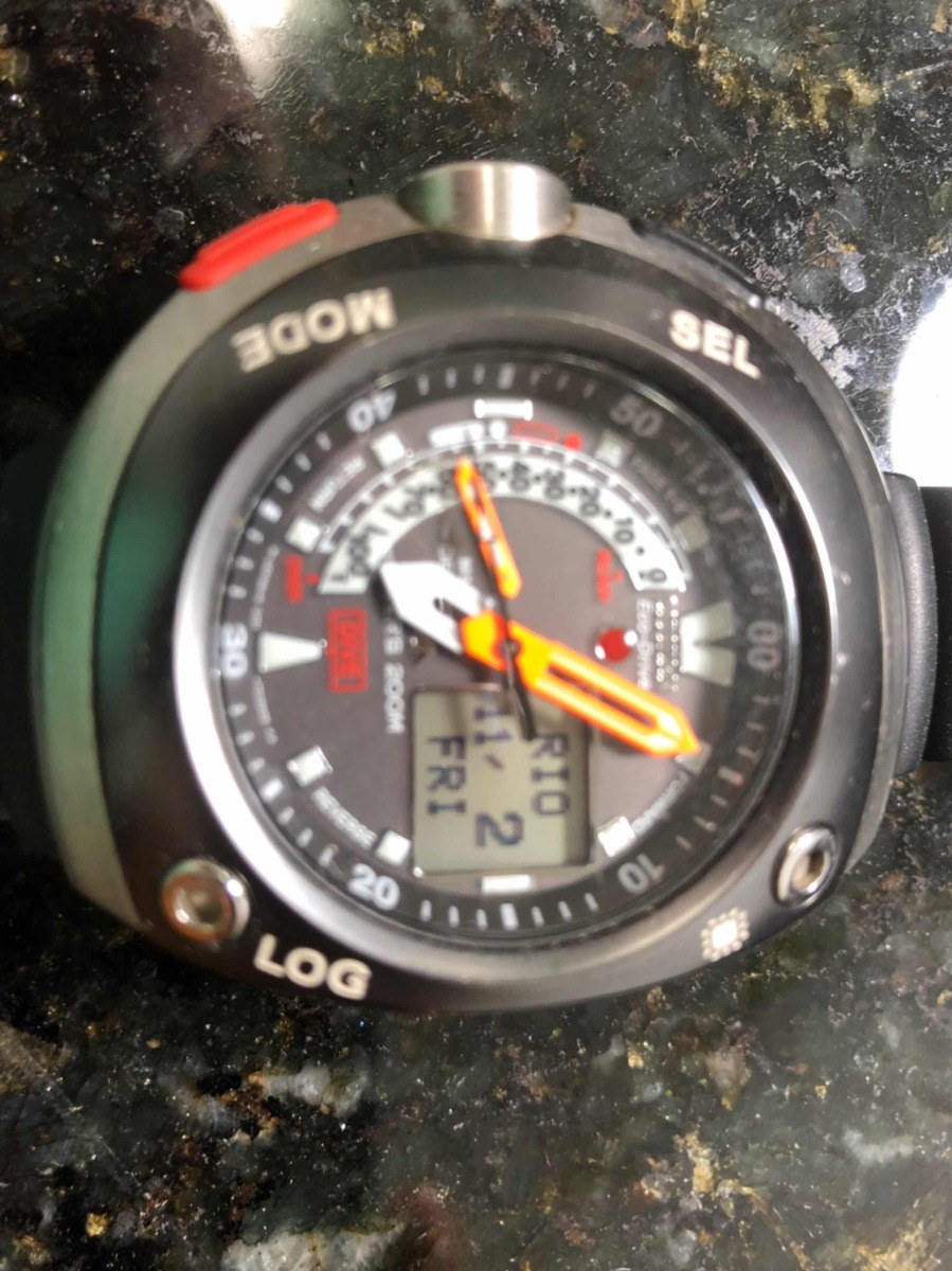 48e3b3e5c09 relógio citizen aqualand u001 meia lua. Carregando zoom.