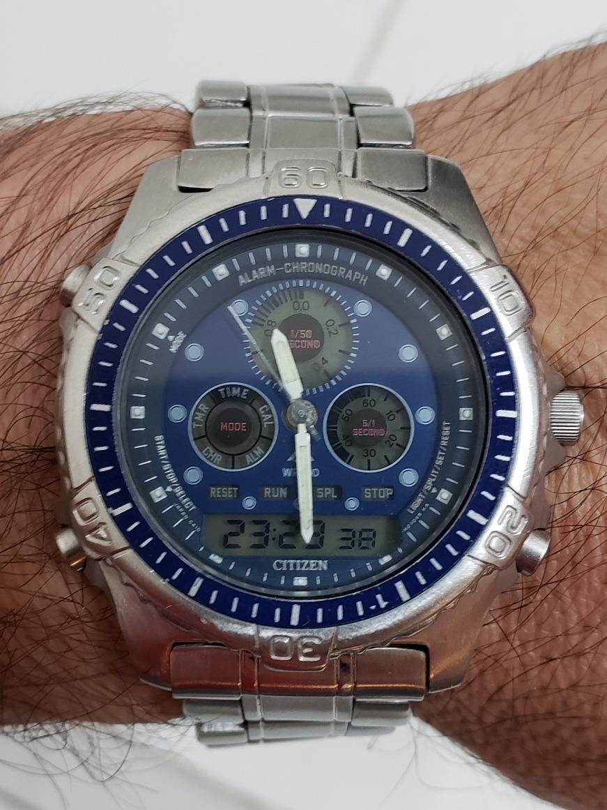 36817f4f98d Relógio Citizen Combo C410 Fundo Azul Série Prata - R  450