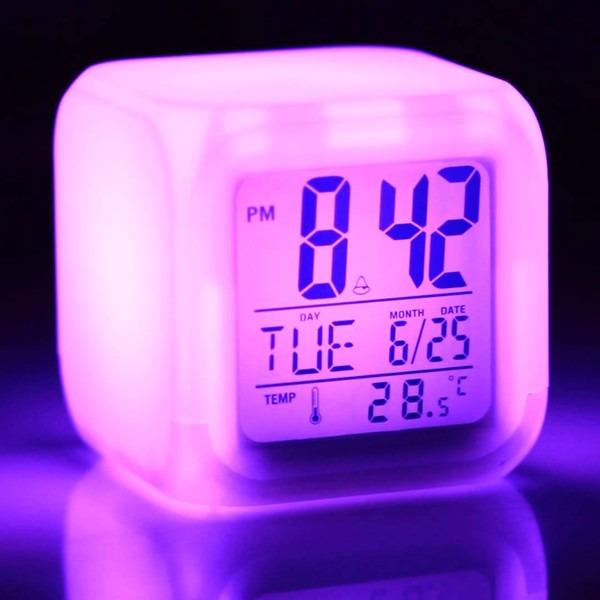 8e3fc49b498 Relógio Cubo Colorido Led Despertador Termômetro 7 Cores 5x1 - R  24 ...