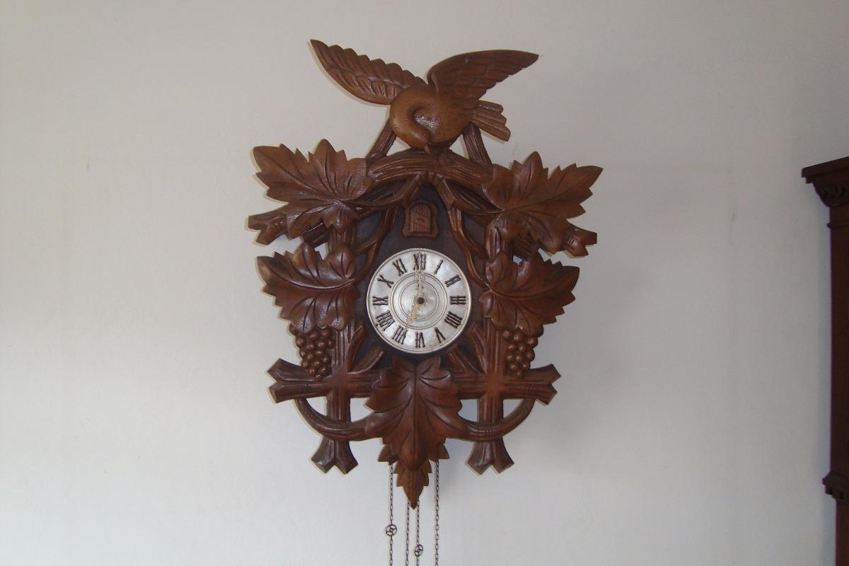 a61f59bc485 relógio cuco antigo grande da marca h. Carregando zoom.